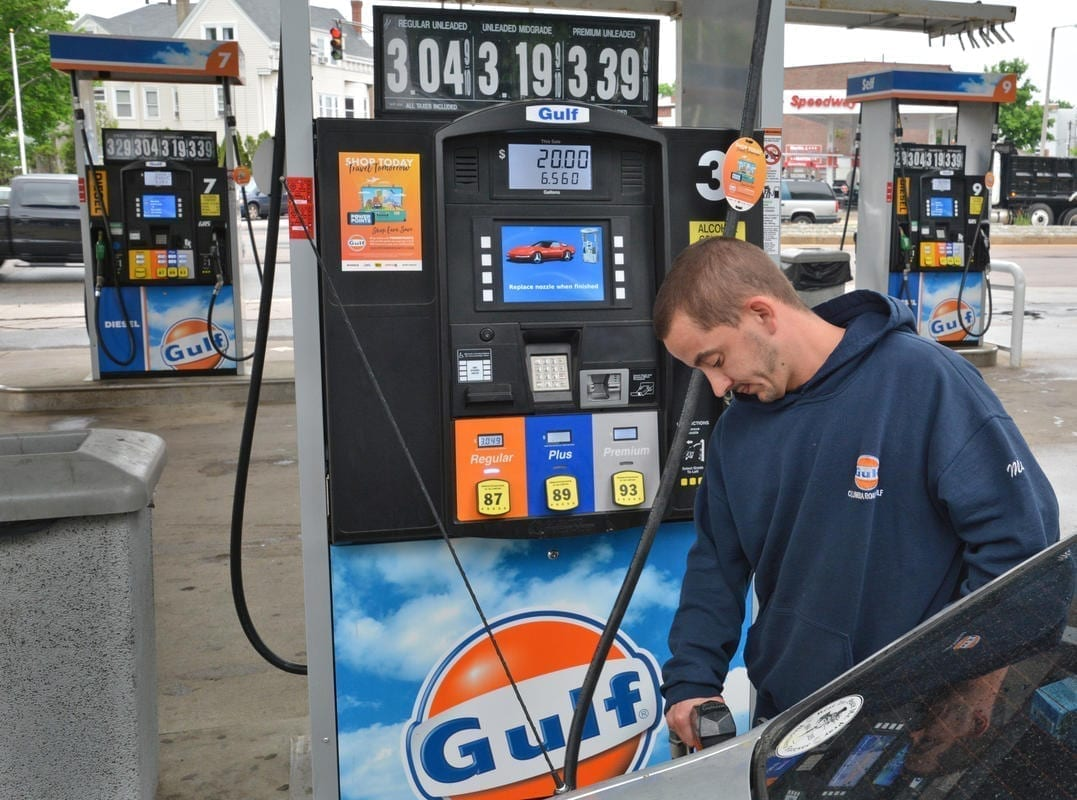 Boston Gas Prices >> Rising Gas Prices Fuel Worry Boston Herald Politically